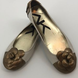 Ann Klein Sport Ballet Flats with Gold Flower